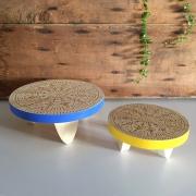 tabourets pour plantes d'intérieur bleu et jaune
