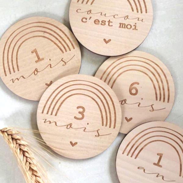carte étapes bébé en bois